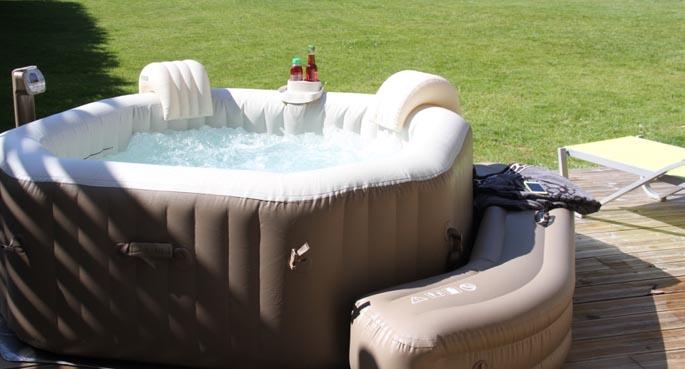 spa tout l 39 univers du spa gonflable intex. Black Bedroom Furniture Sets. Home Design Ideas